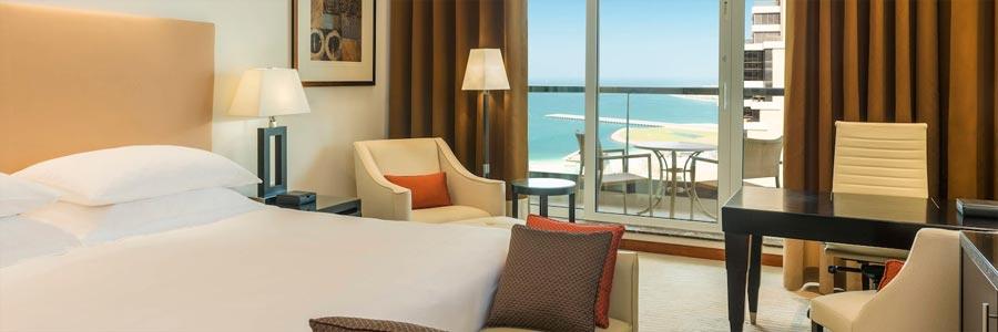 Deluxe Room Grosvenor House © Marriott International Inc